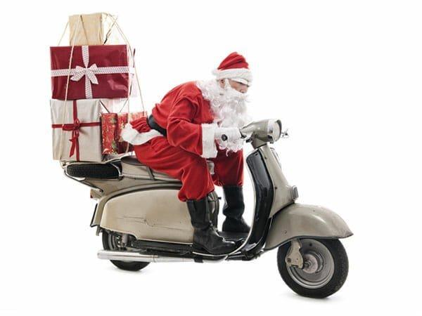 Holidays12_3SantaScooter