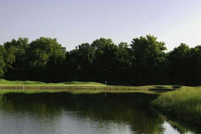 Beautiful Par 3 golf hole