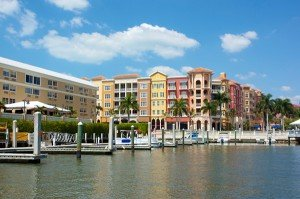 city on the Gulf of Mexico in southwest Florida that's known for high-end shopping and golf courses
